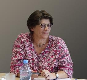 Hélène-r